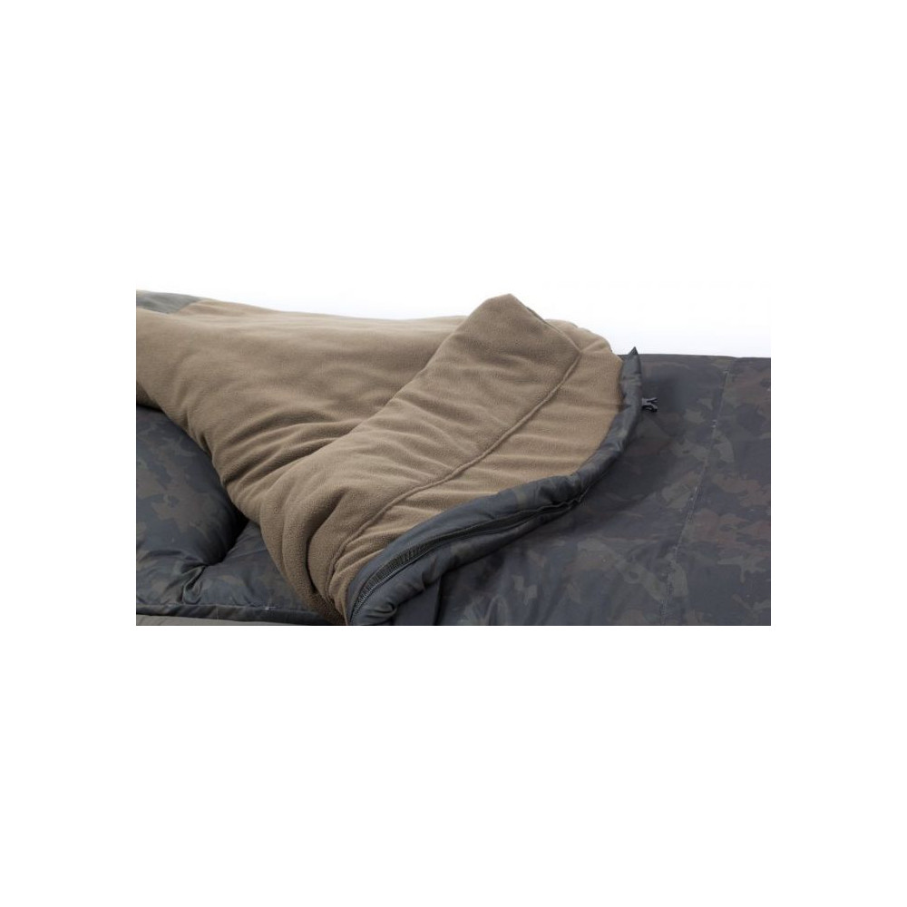 Bed chair Indulgence ss3 4 Seizoen Kevin nash 4